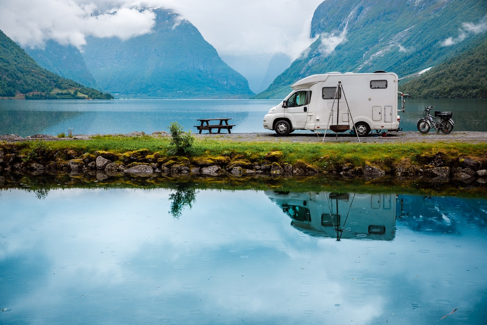 Living in an RV motorhome full time will allow you to visit many places you otherwise may never have seen with a lifetime spent living in the same city.